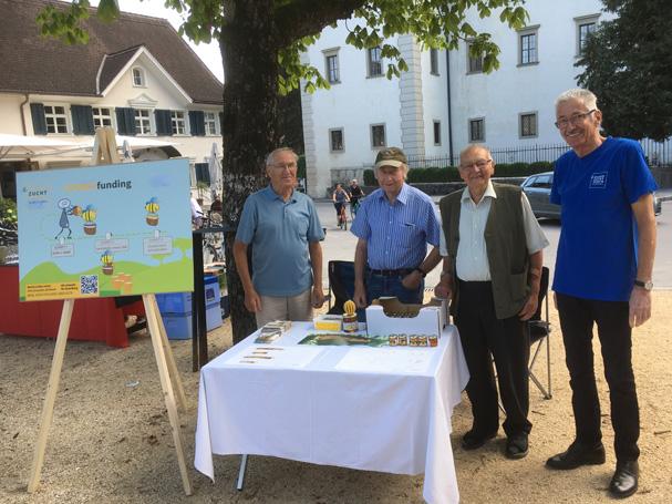 Die Imker Manfred Tripold, Bernhard Wulz, Norbert Mathis und Werner Drexel (von links)