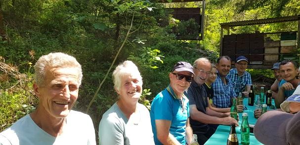 Carnica-Zuchtfachleute auf der Belegstelle Rothenbrunnen